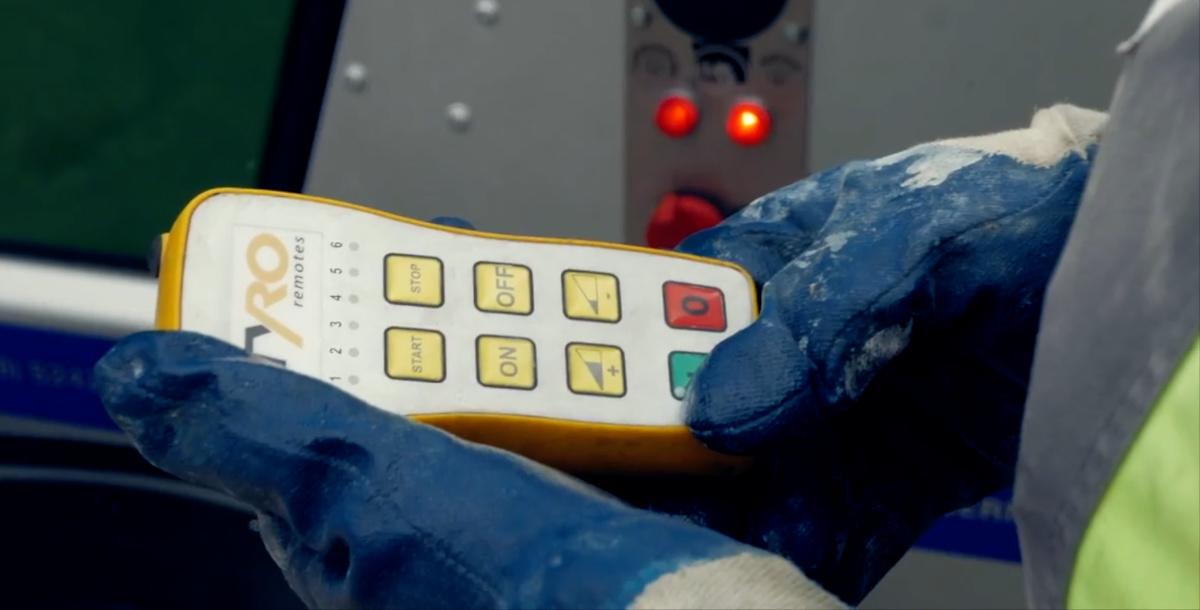 Radne rukavice za pumpu za beton s daljinskim upravljačem